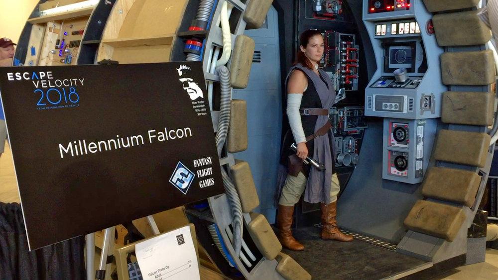 millenium-falcon-ffg.jpg