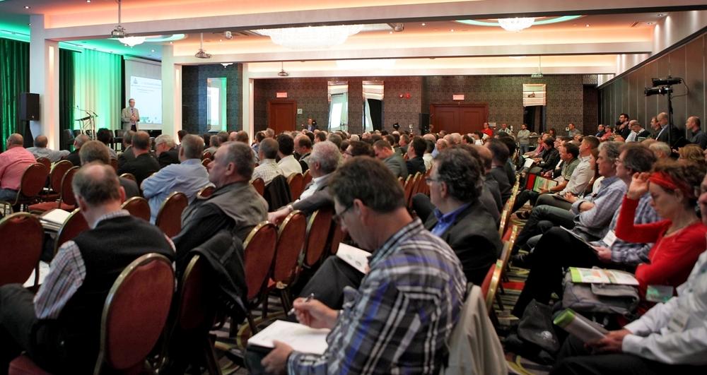 Plus de 260 personnes ont participé à la Conférence.