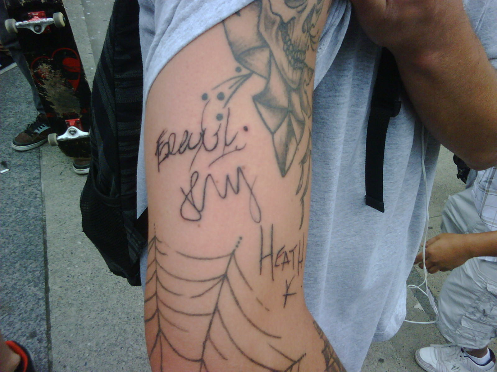 this genius got our signatures TATTOOED on him. dude.