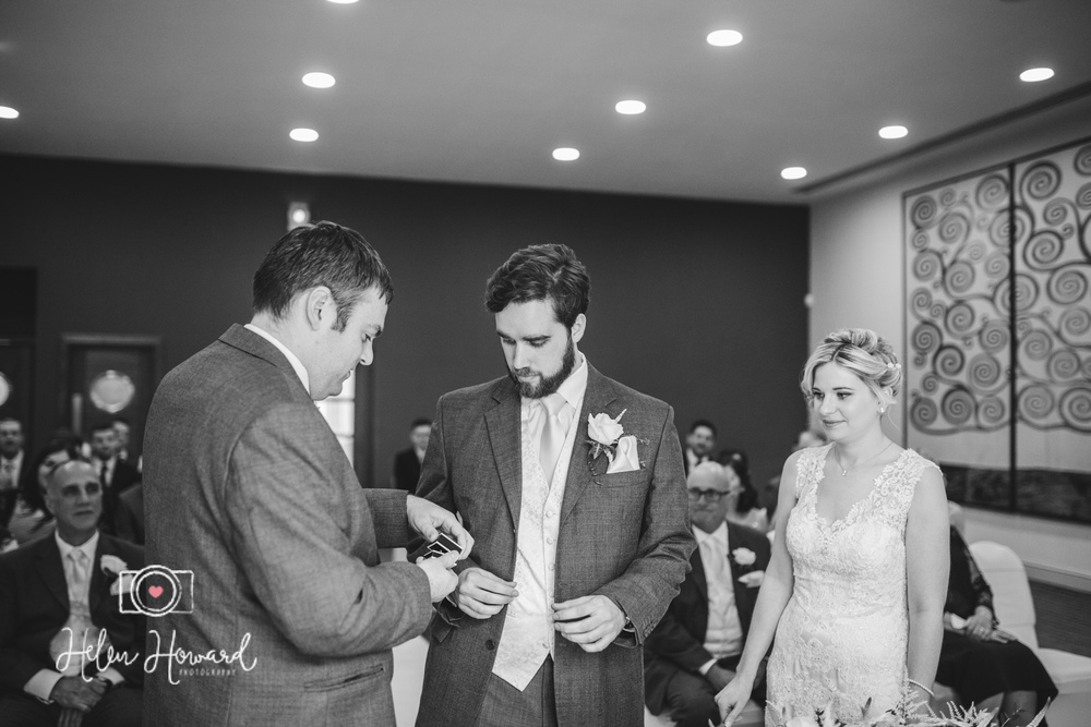 Aldwickbury Park Golf Club wedding-51.jpg