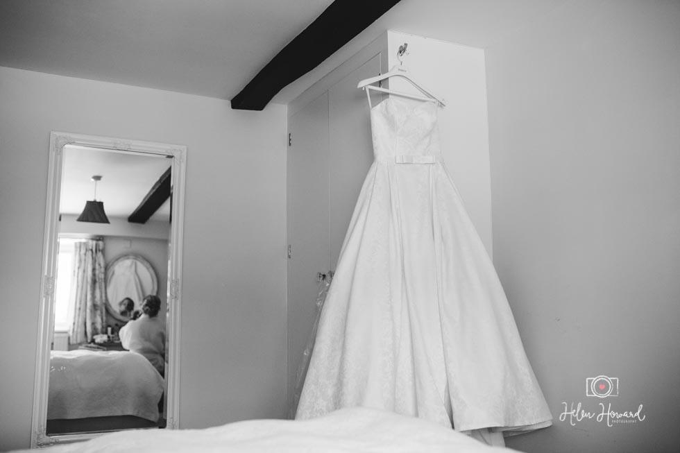Barn-Wedding-in-somerset-94.jpg
