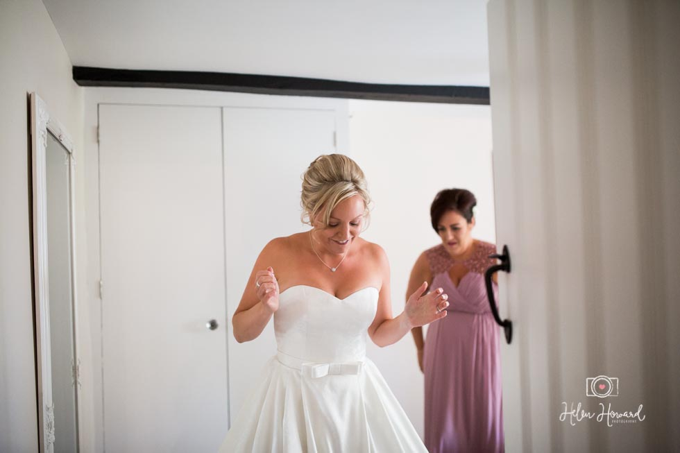 Barn-Wedding-in-somerset-135.jpg
