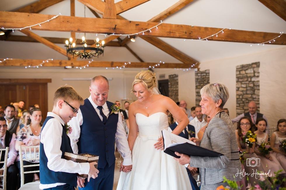 Barn-Wedding-in-somerset-385.jpg