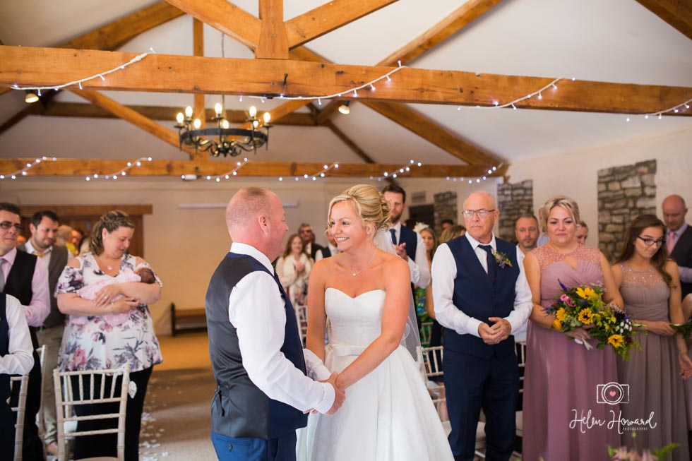 Barn-Wedding-in-somerset-405.jpg