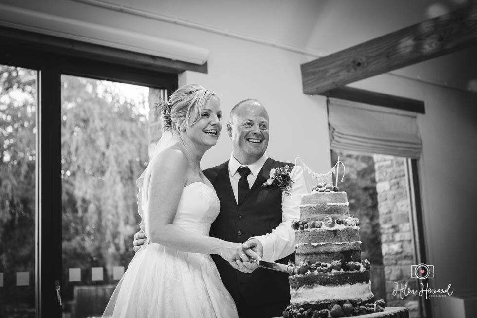 Barn-Wedding-in-somerset-802.jpg