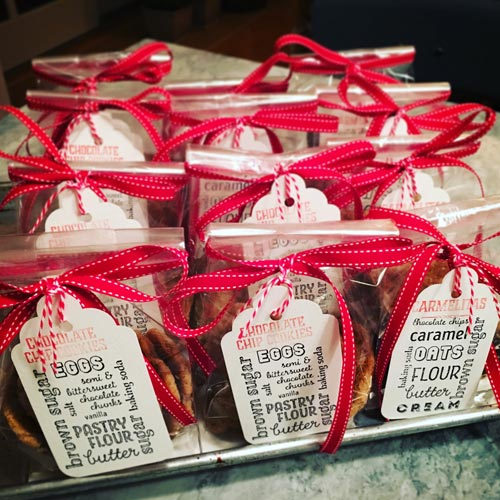 Our baked treats make fabulous party favors!
