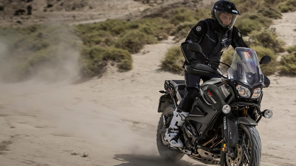 2015-Yamaha-XT1200Z-Super-Tenere-EU-Matt-Grey-Action-001