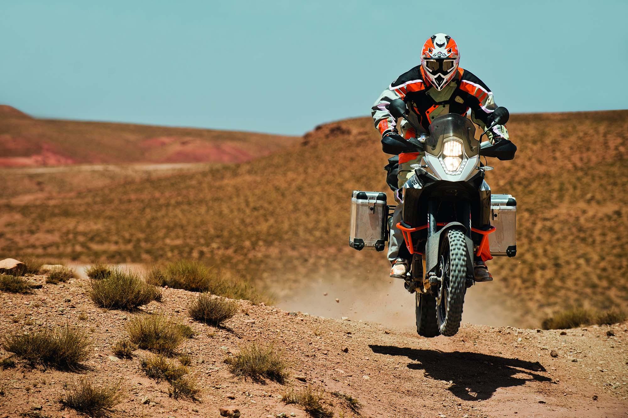 2013-ktm-1190-adventure-r-action-13