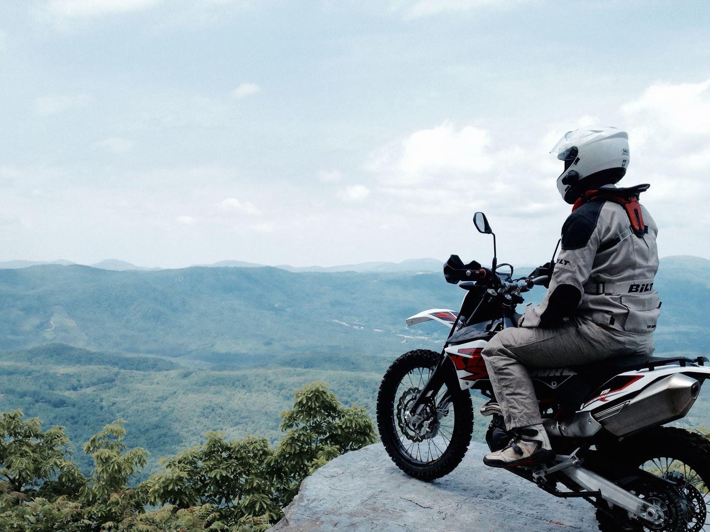 Big engine, small bike: 2014+ KTM 690 Enduro R — NATHANIEL HALEY