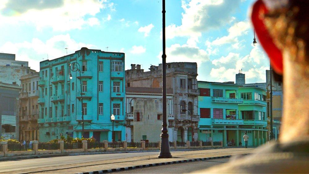 BiancaJeantyHitsCuba-ColorfulBuildlingsinHavana.jpg