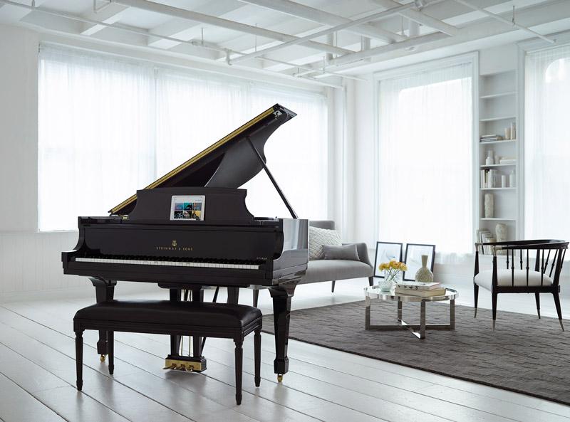 Steinway_Spirio_in_modern_white_room_Sjpg