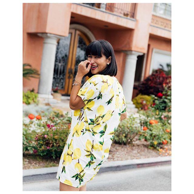 I'm happy because it's Party time🍹#fridayvibes #lemonade #weekendshopping • • • • • • • • • #picoftheday #fashiontruck #fashiontrends #abbotkinney #santamonica #brentwood #southbay #orangecounty #longbeach #belmontshore #ootd #instashop #fashiontruckblogger #bossmomma #womenkickass #stylist #whatiwear #styleguide #womeninbusiness #hustler #shoppanikryder