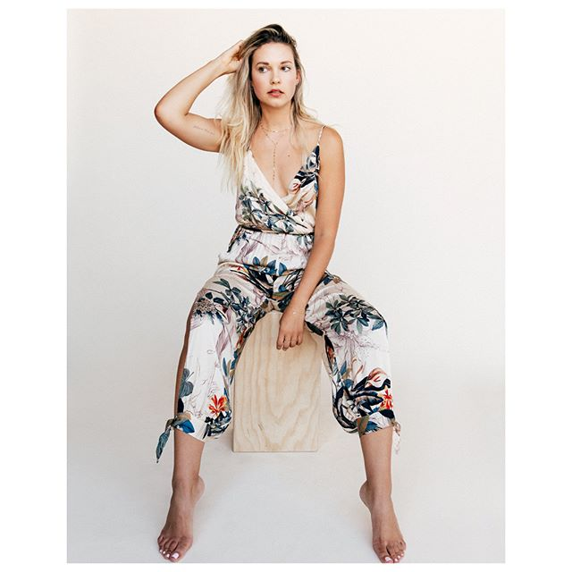 She makes #mondays look good (Jumpsuit is sold out! Last week #bestseller💥) • • • • • • • • • #picoftheday #fashiontruck #fashiontrends #fashionpopup #abbotkinney #brentwood #santamonica #belmontshore #summerfashion #ootd #instashop #fashionblog #bossmomma #stylist #whatiwear #styleguide #womeninbusiness #hustler #shoppanikryder