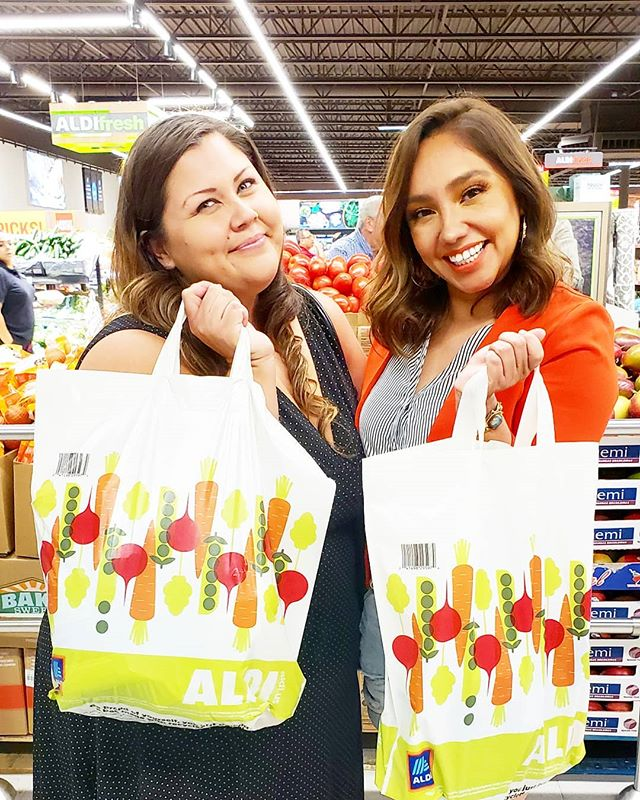 We are happy shoppers at @aldiusa! Thank you for showing me around @hildagabriela. I'm so happy that an ALDI opened up near me, this is my new go-to grocery store. #PrimeroALDI #ad #shopping #groceries #socal #upland #aldifinds #aldi