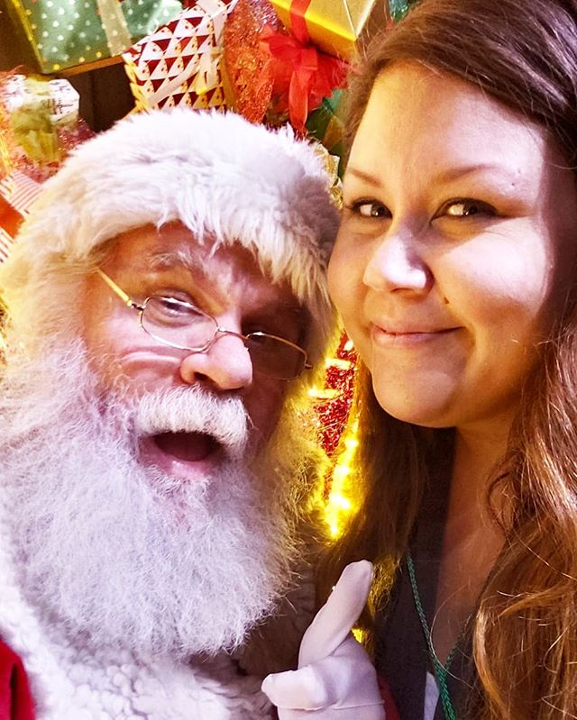 I got my Santa selfie for the year at the @falalandofficial in #Dtla! If you are a fan of Christmas, this is a definite must visit this Holiday season. Check out all the fun we had! **Swipe Left** #FaLaLand #holidays #socal #christmas #family #fun #santa #therow