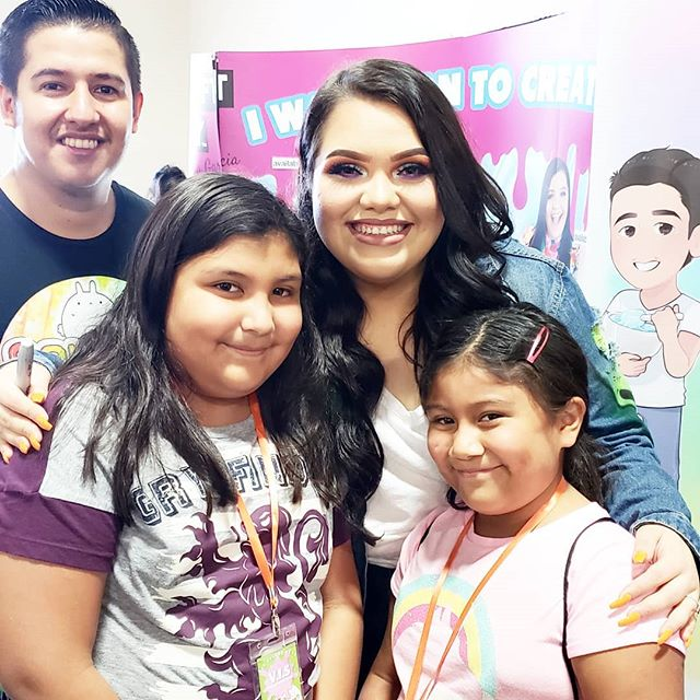 Yesterday I won major cool mom points when I took the girls to #SlimeMania in #Anaheim. Not only did they load up on a ton of slime, but they got to meet the one and only @karinagarc1a!  #slime #diy #craft #karinagarcia