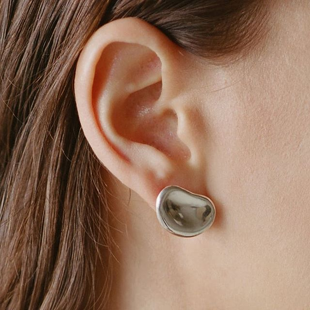 Melt In Your Skin I, the subtle statement. Available online at www.thirteenthstudio.com . . . . . . . #minimalove #minimalist #handcrafted #meltinyourskin #coolearrings #silverearrings #jewelryaddict #jewelrydesigner #emergingdesigner