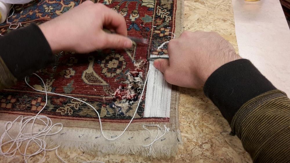 Perzisch Tapijt Schoonmaken : Reparatie perzische tapijten vakkundig atelier u derag perzische