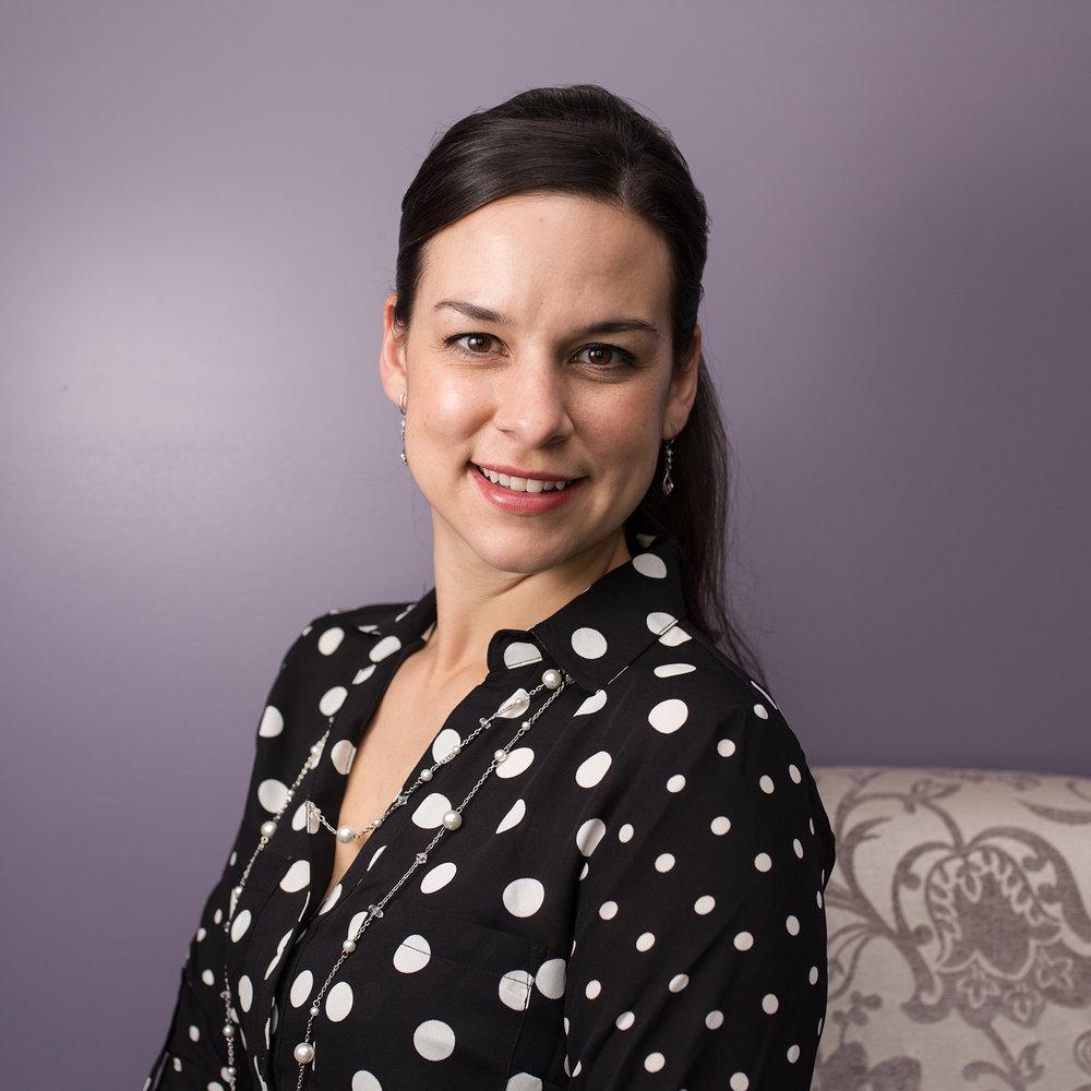 Hannah Barlow - Photographer Headshot