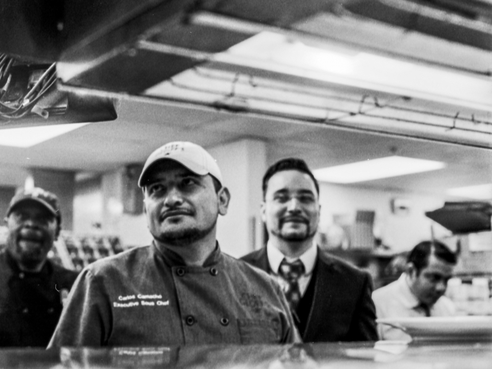 201501_chefgoefftysons_staff_web-14.jpg