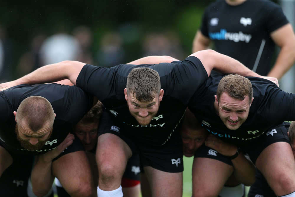 Hugh Gustafson during Ospreys training in 2017