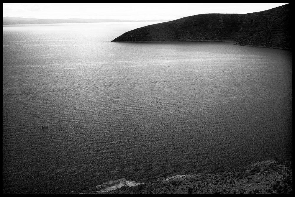 View Isla del sol small boat.jpg
