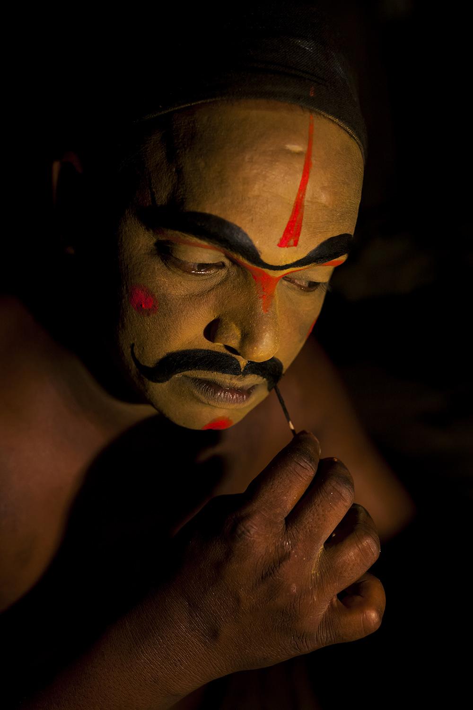 Getting Ready - Therukoothu Artist