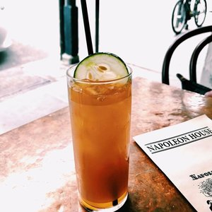 Pimms Cup at the Napoleon House.jpg
