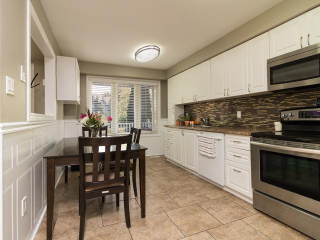 Kitchen 2 - 51 Goldpine Ave - Ryan Thomas Real Estate.jpg