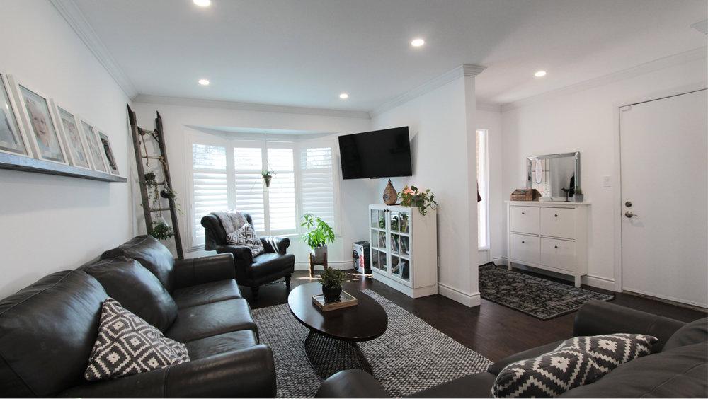 1 Living Room1.jpg