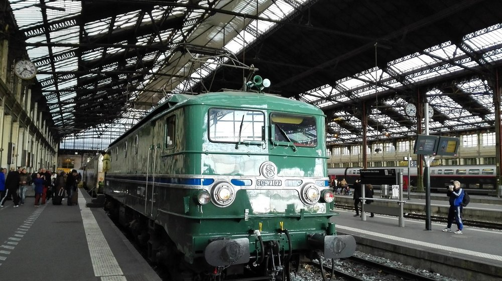 train-2730507_1280.jpg