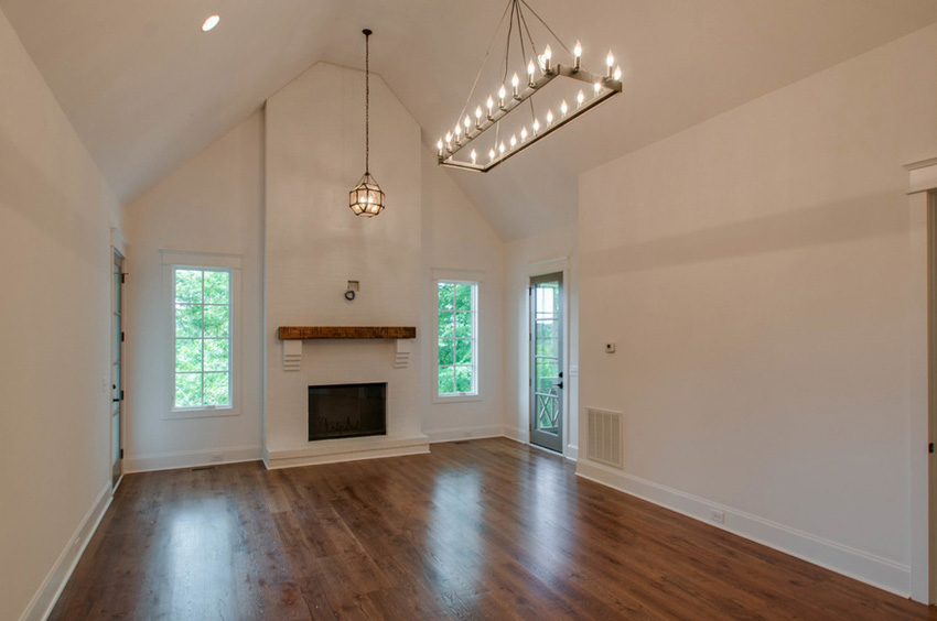custom-home-nashville-tennessee-open-floor-plan-quality-construction-reclaimed-wood-high-ceilings-rustic-chic-interiors-chandelier-development07_1.jpg