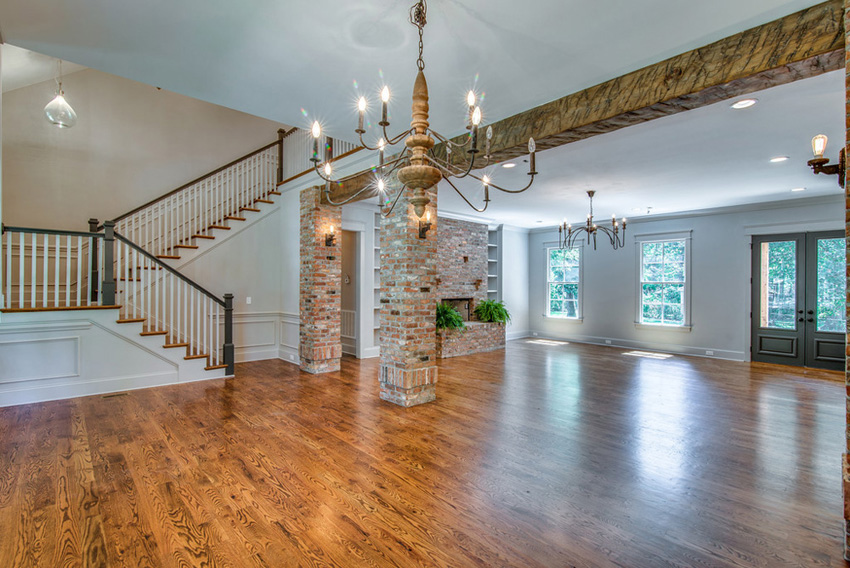 custom-home-nashville-tennessee-open-floor-plan-quality-construction-reclaimed-wood-high-ceilings-rustic-chic-interiors-chandelier-development34.jpg