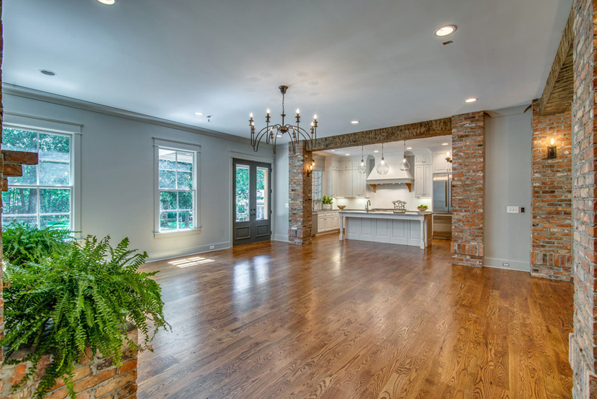 custom-home-nashville-tennessee-open-floor-plan-quality-construction-reclaimed-wood-high-ceilings-rustic-chic-interiors-chandelier-development41.jpg