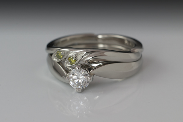 WEB Wedding 18W with Plat setting, Diamonds and apple greens Set 2013 Image 7844.jpg