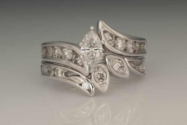 WEB Wedding Set 14kW with Diamonds2014 Image 9668.jpg