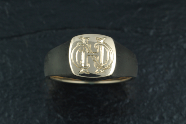 WEB-Yellow Gold Signet Ring-2011-Image 5490.jpg