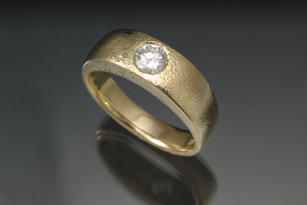 WEB-Ladies-14k yellow-Round Diamond-Stiple Texture-2012-Image 5502.jpg