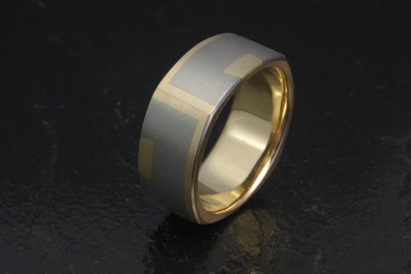 WEB-Weddings-Bands-18k Yellow Gold and Titanium-Inlay-2009-Image 0378.jpg