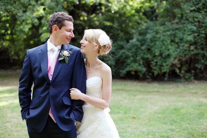 Wedding-photographer-Surrey-Dasha-Caffrey-30.jpg