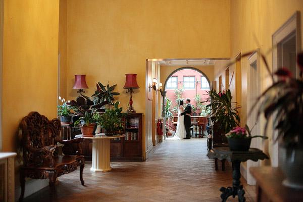 Wedding photographer Hampton Court House