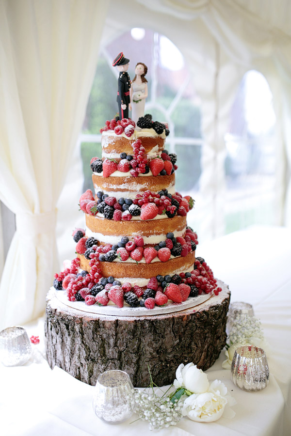 naked-wedding-cake-with-fruit.jpg