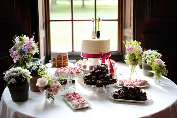 wedding-dessert-table.jpg