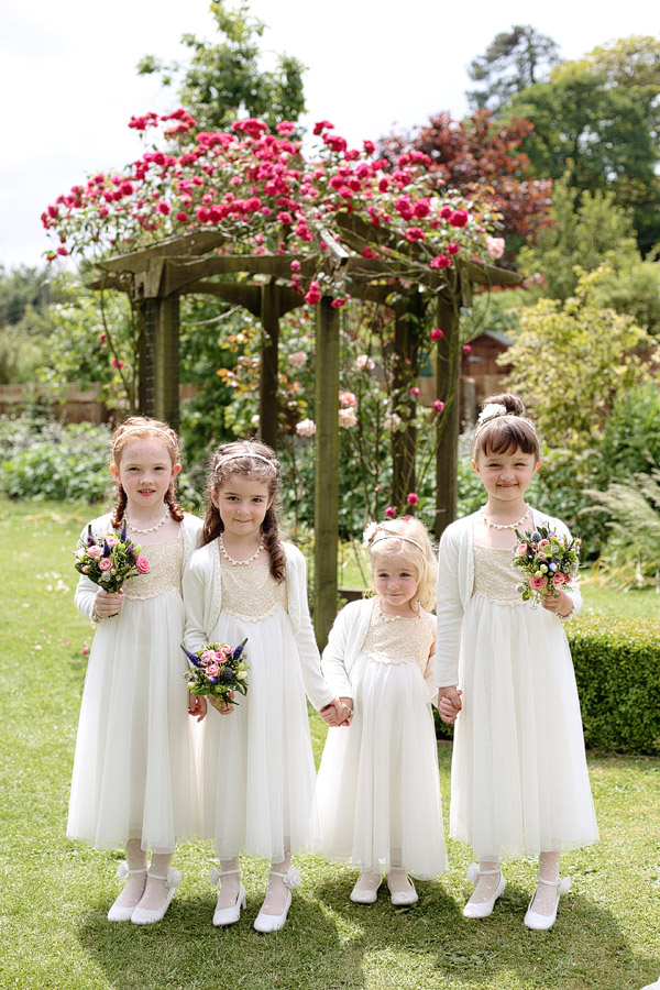 flower-girls-in-white.jpg