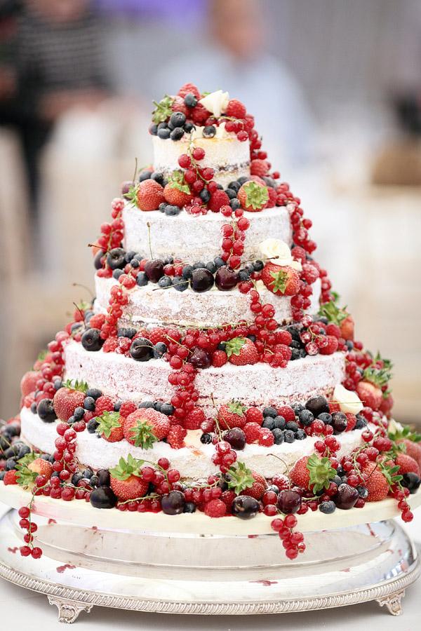 naked-wedding-cake-decorated-with-fruit.jpg