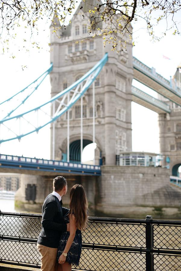 Couples-photography-London-landmarks.jpg