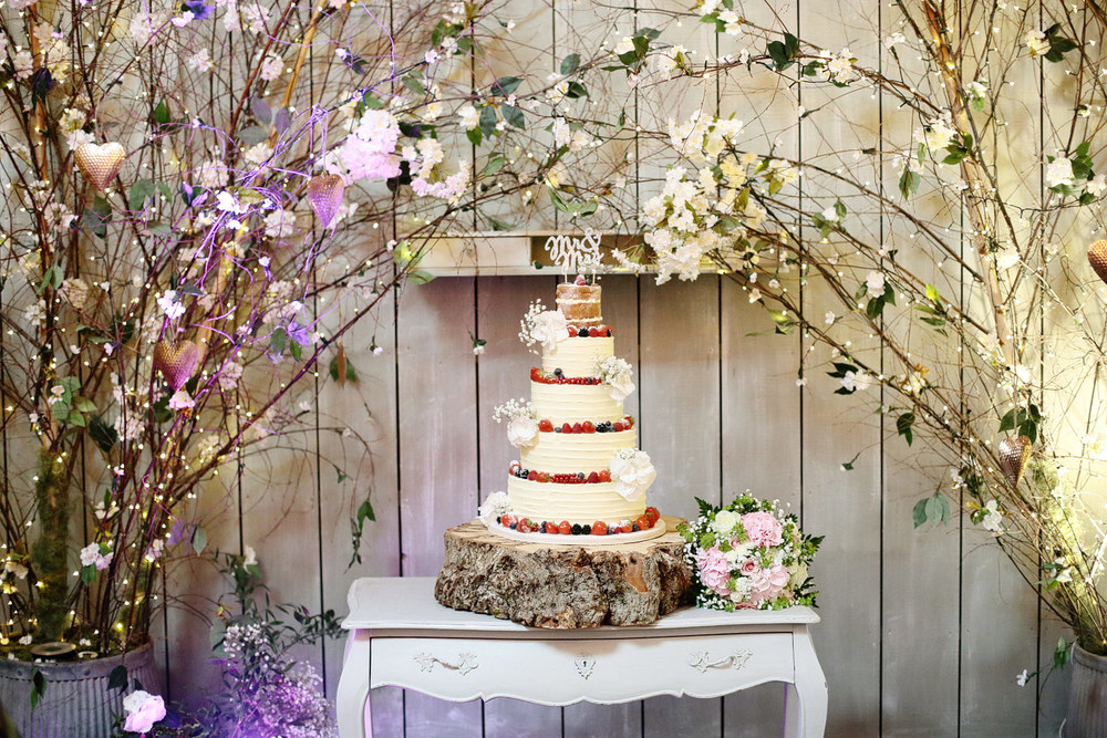 Ballymagarvey Village wedding cake photo