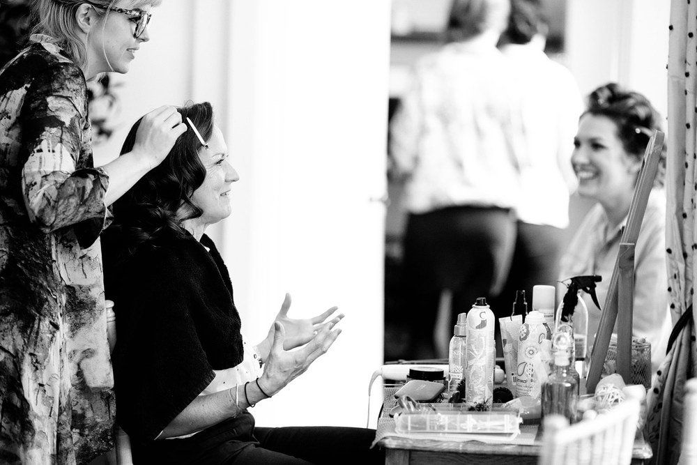 Bradbourne House bride getting ready photo