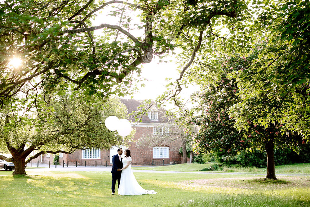 Bradbourne House bride and groom sunset photo