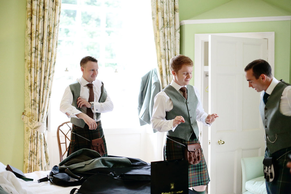 Hillhouse wedding Glasgow Scotland photo 8.jpg